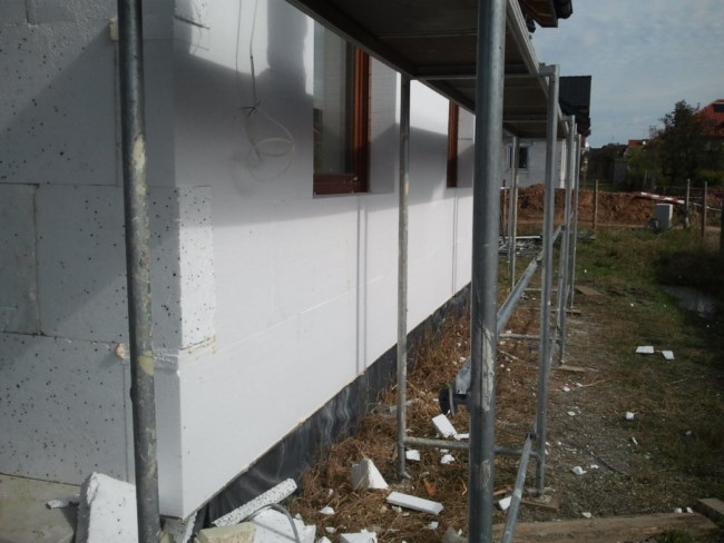 Ściana po oklejeniu styropianem