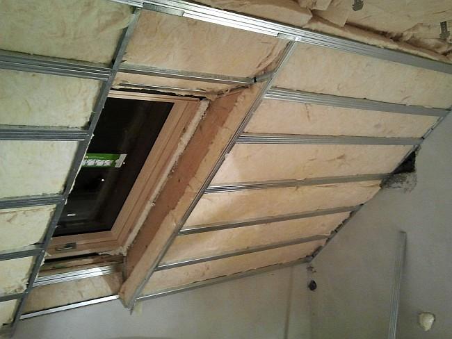 Unikalne Jak wykonać stelaż wokół okna dachowego - Strych i poddasze ME45
