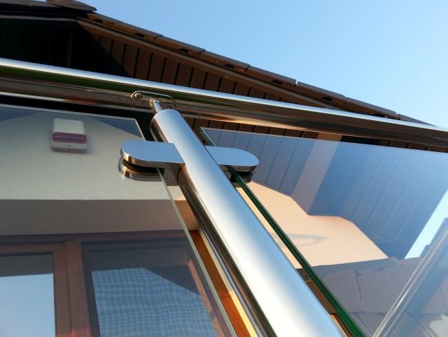 Samodzielny montaż balustrady ze stali nierdzewnej z wypełnieniem szklanym