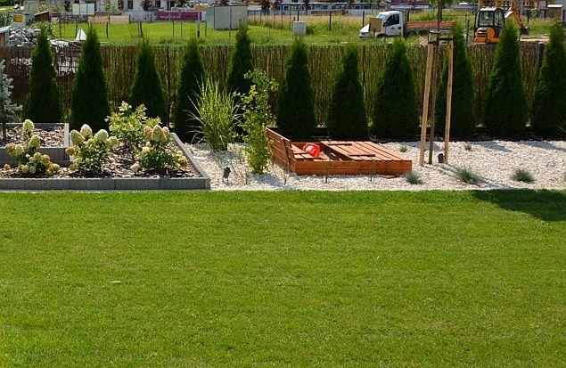 Jak przygotować miejsce do zabawy dla dziecka w ogrodzie